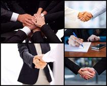 商务合作握手动作高清图片