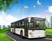 公交汽车与绿色环境PSD素材