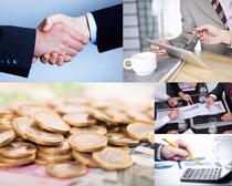 金融交谈分析摄影高清图片
