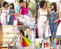购物的大肚子女人高清图片