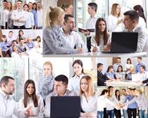 职业男女会议讨论摄影高清图片