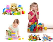 小孩与玩具摄影高清图片