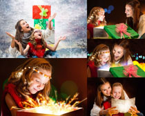 收到礼物开心的小孩高清图片