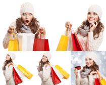 开心购物的女人摄影高清图片