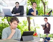 笔记本与商务男人摄影高清图片