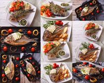 烤鱼与配料食物摄影高清图片