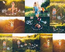 草丛玩耍的小女孩摄影时时彩娱乐网站