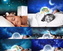 夜晚睡觉的小女孩摄影时时彩娱乐网站