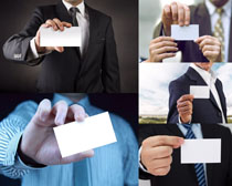 商务男子与名片摄影高清图片