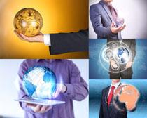 科技地球与男人摄影高清图片