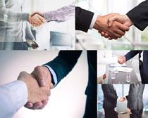 商务握手人物摄影高清图片