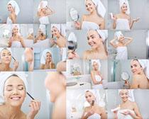披浴巾的美女摄影高清图片