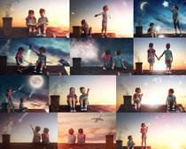屋顶上的儿童摄影高清图片