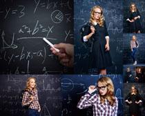 欧美老师与黑板摄影高清图片