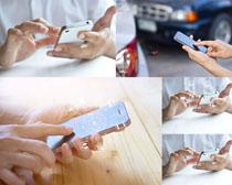 数码手机操作摄影高清图片