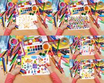 水彩笔与绘画摄影高清图片