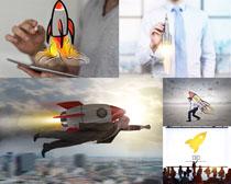 火箭与商务男摄影高清图片