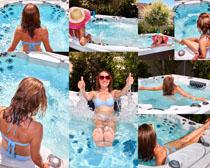 游泳池比基尼女人摄影高清图片