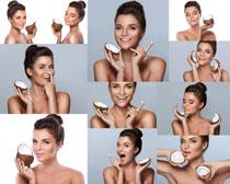 椰子与肌肤美女摄影高清图片