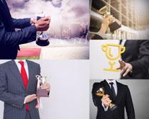 奖杯与商务男人摄影高清图片