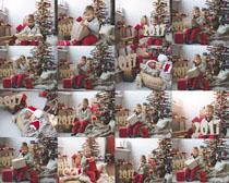 圣诞节礼物与小孩摄影高清图片