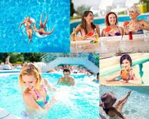 游泳池男女摄影高清图片
