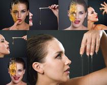 美女与蜂蜜摄影高清图片