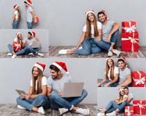圣诞礼物情侣人物摄影高清图片