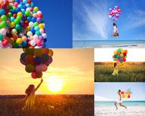彩色气球与女孩摄影高清图片