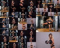 性感女子健身摄影高清图片