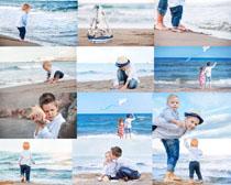 海边小朋友玩耍摄影高清图片