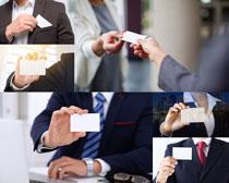 名片展示商务人士摄影高清图片