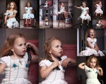 国外小姑娘拍摄高清图片