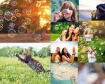 吹泡泡的人物摄影高清图片