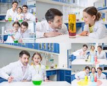 医生与小女孩摄影高清图片