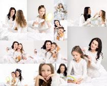 梳头发母女摄影高清图片