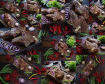 牛排与辣椒食材摄影高清图片