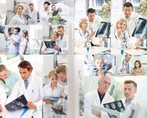 检查片子的医生摄影高清图片