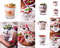 冰淇淋奶油水果摄影高清图片
