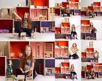 儿童家具与小女孩摄影高清图片