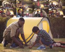 开心父子帐篷摄影高清图片