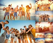 海边开心青年人物摄影高清图片