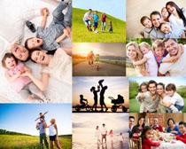 玩耍的快乐一家人摄影高清图片