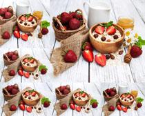 草莓与麦子摄影高清图片