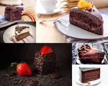 草莓与巧克力蛋糕摄影高清图片