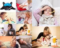 感冒小孩与母亲摄影高清图片