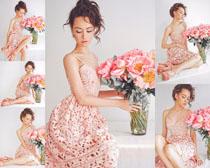 花朵与欧美写真美女摄影高清图片