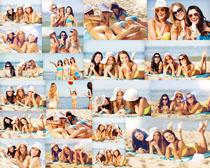 沙滩一伙美女摄影