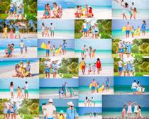 海边快乐一家人拍摄高清图片