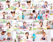 国外学习的小孩摄影高清图片